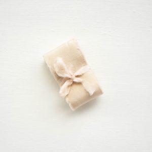 La Lettre Lint handgemaakte zijden linten hand dyed silk ribbon kleur champagne