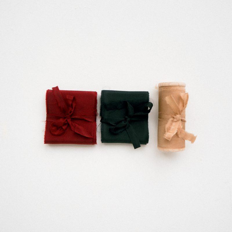 La Lettre Lint atelier handgemaakte zijden linten hand dyed silk ribbon bouquet collection antique gold red black